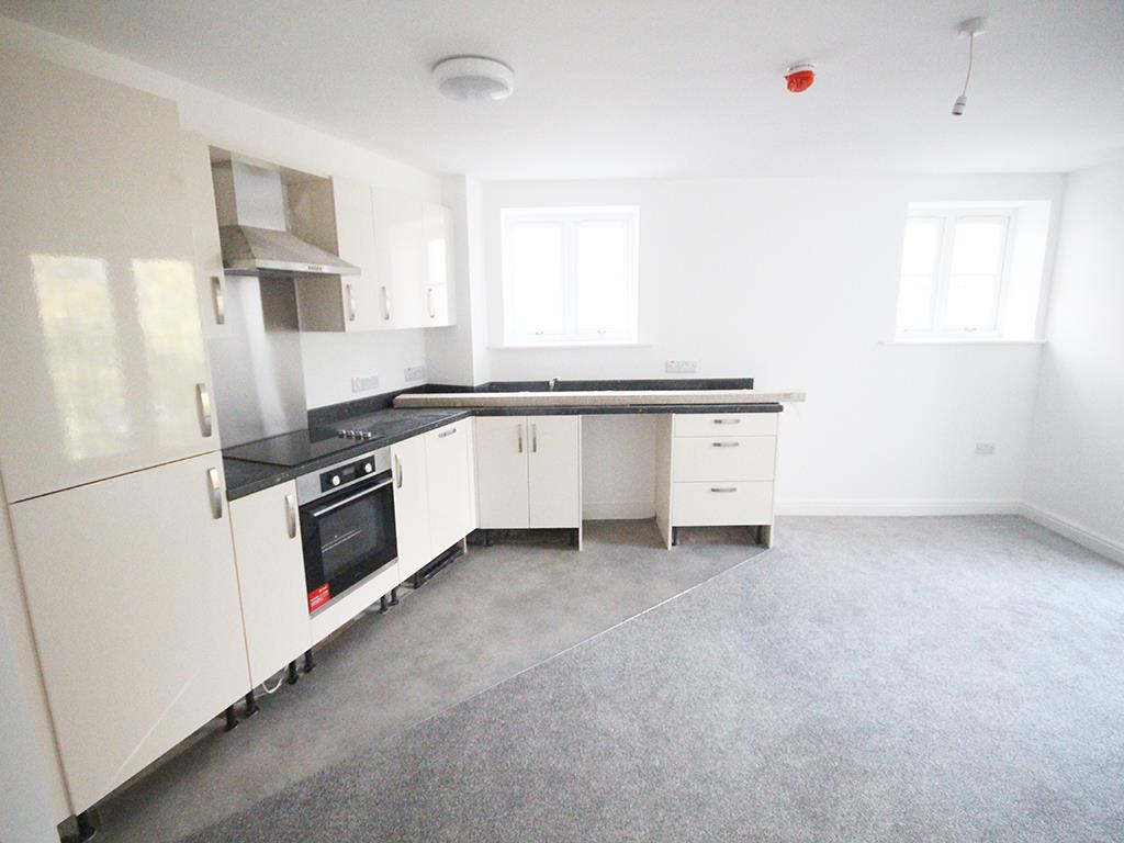 2 bedroom apartment To Let in Earby - IMG_5051.jpg